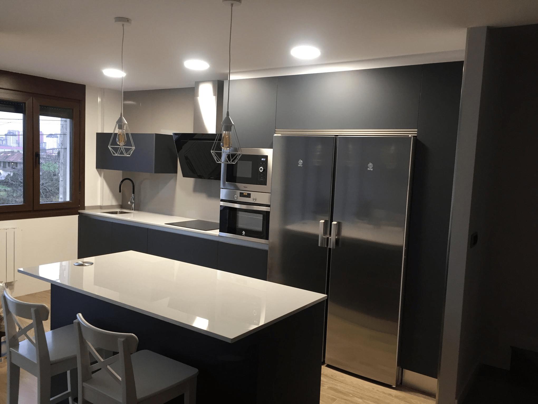Haz de tu cocina tu estancia preferida en tu hogar - Elena Rodriguez, especialista en diseño e instalación de cocinas en Santander.