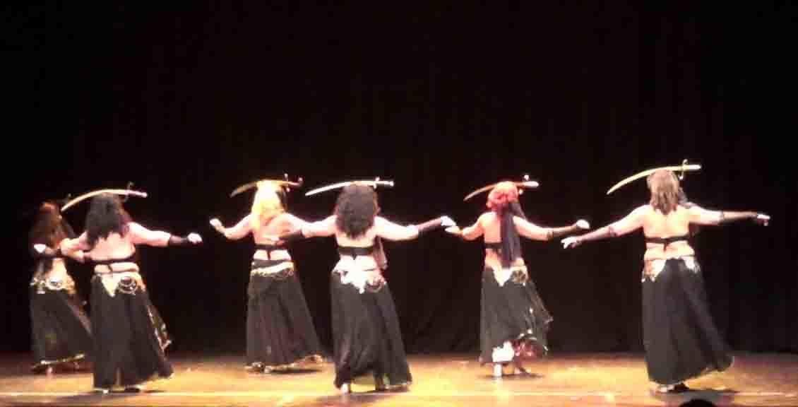 La danza oriental como una de celebración del cuerpo femenino - Conoce más sobre Ishtar y Elena Gala!