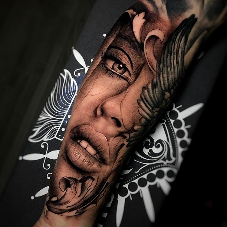 Tatuadores especialistas para hacer de tu piel un lienzo - El arte de los tatuajes por Ricardo