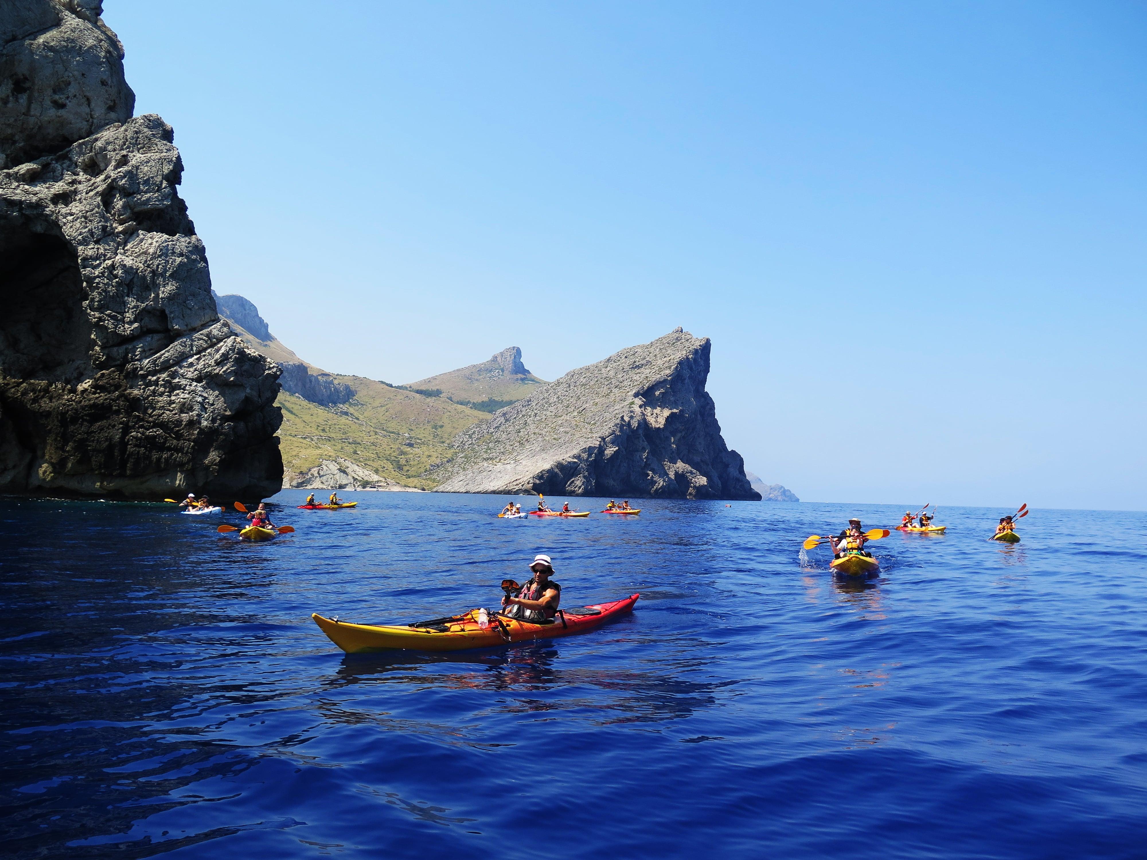 Emociones al límite al combinar el kayak con entornos majestuosos - Miguel Ángel Torrandel Vicens - Instructor de Kayak en Mallorca