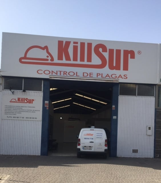 El mejor control de plagas para cuidar la salubridad de tu entorno - Pedro Díaz, especialista en control de plagas en Almería.