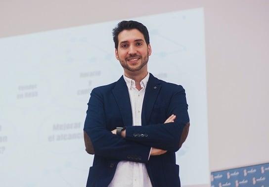 Marketing 360º para potenciar tu empresa - Eloy Licerán, especialista en Marketing Global y Comunicación en Elche (Alicante).