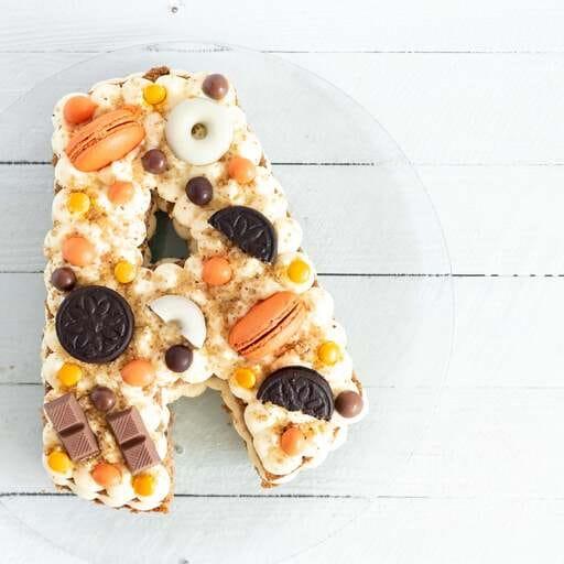 El dulce sabor de una tarta tradicional personalizada - Lara y Pepa - Reposteras en Valencia