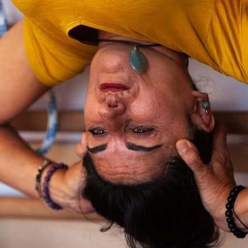 Yoga Iyengar: una puerta a tu bienestar integral - Silvia Díaz Chica, instructora de Yoga en León.