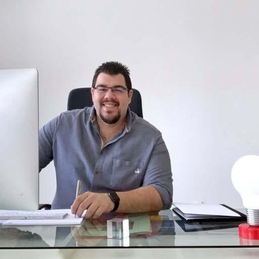 Posiciona tu empresa en internet para tender puentes hacia tus clientes - Santiago Cachón, experto en posicionamiento y marketing digital en Las Palmas de Gran Canaria.