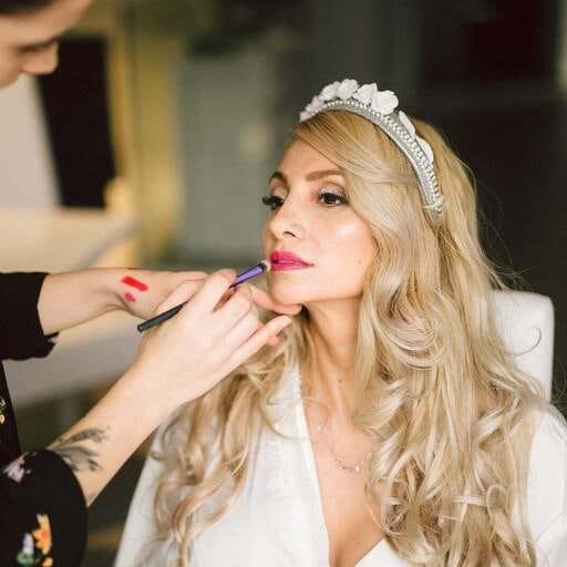 Resalta tu belleza con maquillaje profesional - Ara Lires, maquilladora profesional especializada en bodas en Madrid y País Vasco.