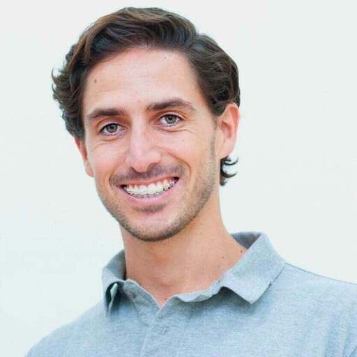 Aliviando las dolencias con un servicio de osteopatía de élite - Gonzalo Rojas - Osteópata en Sevilla