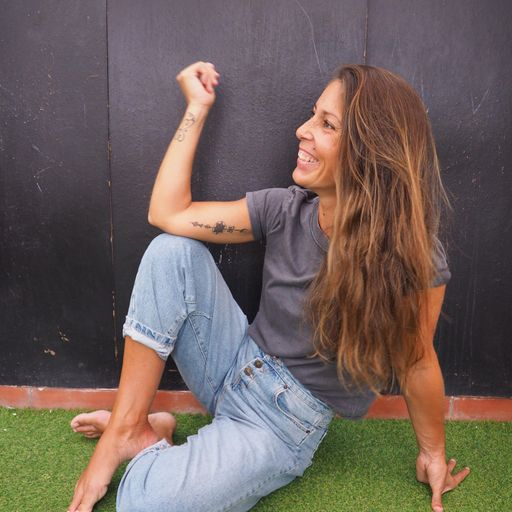 Asómate a tu yo interior en un retiro espiritual - Ruth Rodriguez Tabraue, profesora de yoga y organizadora de retiros para regresar al ser,  en Las Palmas de Gran Canaria.
