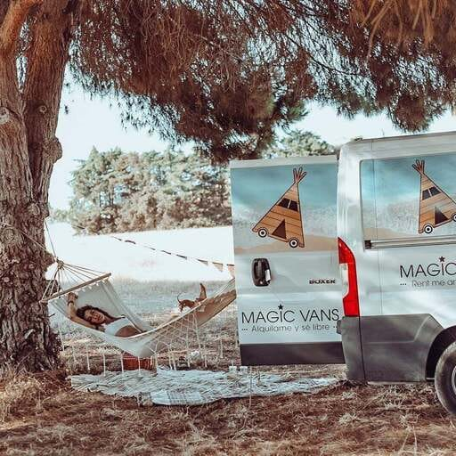 Rutas inolvidables a través del camino al viajar en camper - Elena - Alquiler de Furgonetas en Valencia