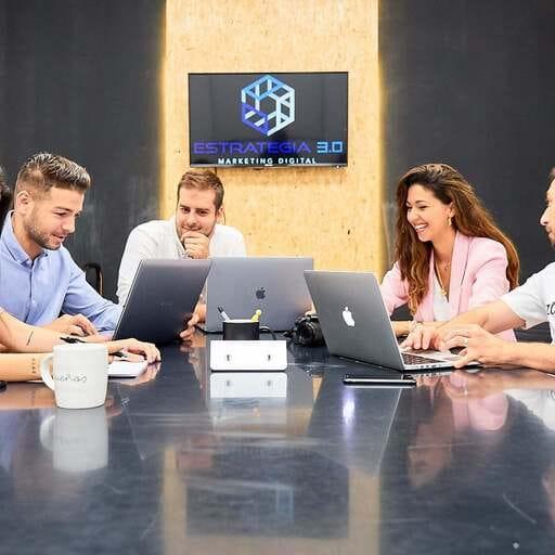 El marketing digital que marca la diferencia para tu empresa - Fran Alcántara, especialista en marketing digital en Almería.