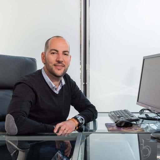 Tu mejor cara en internet para potenciar tu negocio - Sergi Herrero, especialista en desarrollo y mantenimiento web y marketing digital en Barcelona.