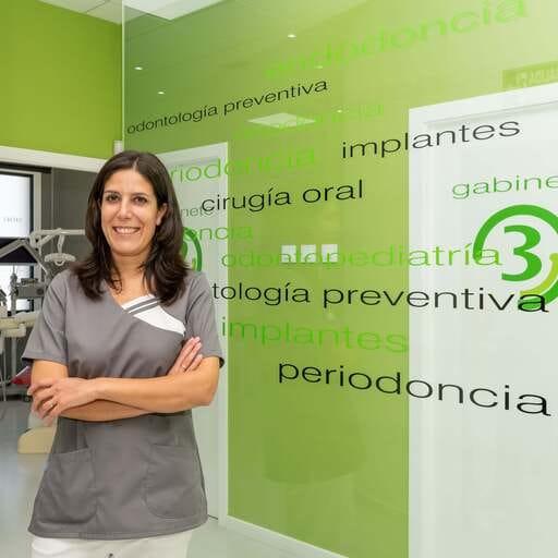 Tu sonrisa ideal con la mejor salud bucodental - Noemí Garrido Madarnás, odontóloga en Pontevedra.