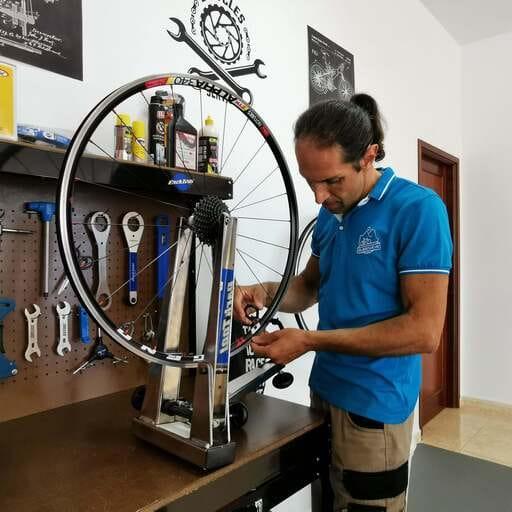 Paseos increíbles en bici por lugares mágicos en La Palma - Roberto Chiappa - Alquiler de Bicicletas en La Palma