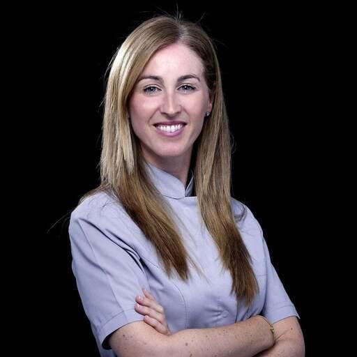 Devuelve la belleza y seguridad a tu sonrisa para siempre - Tatiana Gallardo - Odontólogo en Málaga