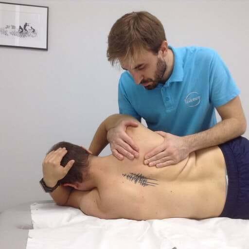 Recupera tu capacidad de movimiento con fisioterapia - Pablo Gargallo, fisioterapeuta en Zaragoza.