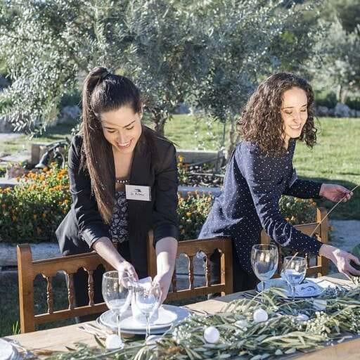 Diseña la boda de tus sueños de la mano de wedding planners - Estefanía y Paqui, organizadoras  de bodas y eventos en Granada.