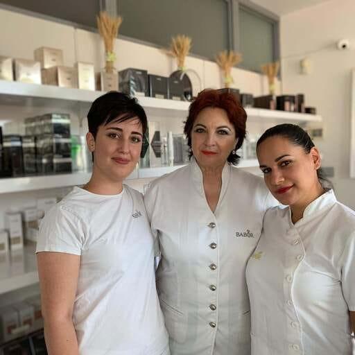 Los mejores cuidados para tu piel, de la mano de profesionales - Lola Martínez Mas, especialista en el cuidado de la piel en Almería.