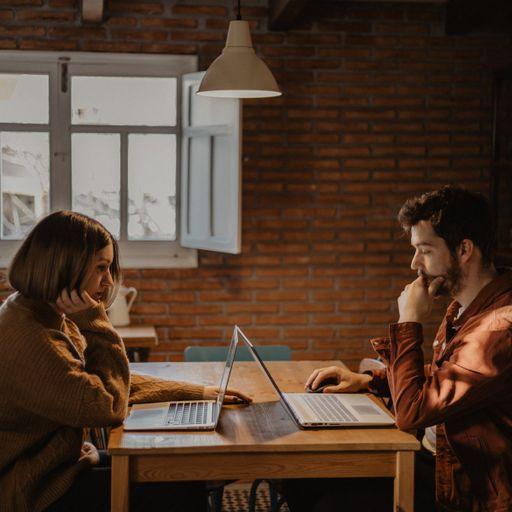 Abre tu negocio al mundo con el mejor diseño web - Juan Saiz y Ester Cano, diseñadores web en Albacete.