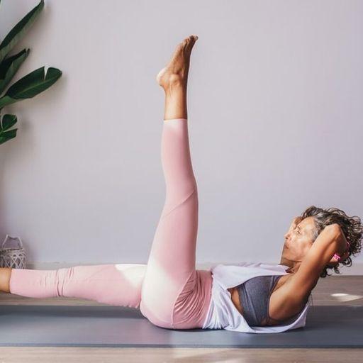 Activa tu cuerpo con clases de Pilates. - Eva, profesora de Pilates en Chiclana, Cádiz.