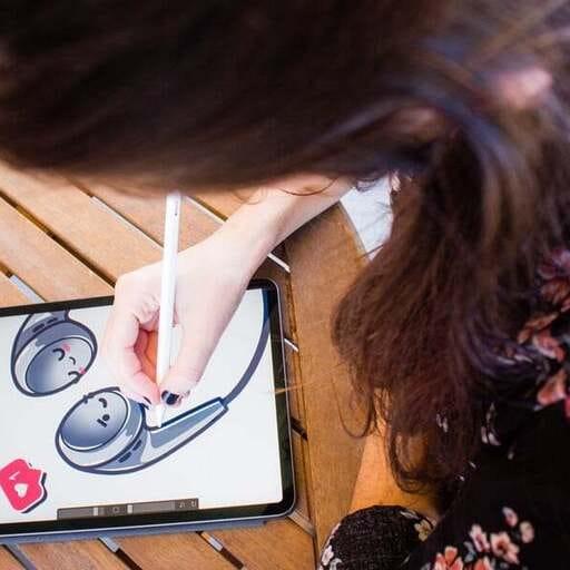 Renovando tu imagen empresarial con toques originales - Marta - Diseñador Gráfico en Almería