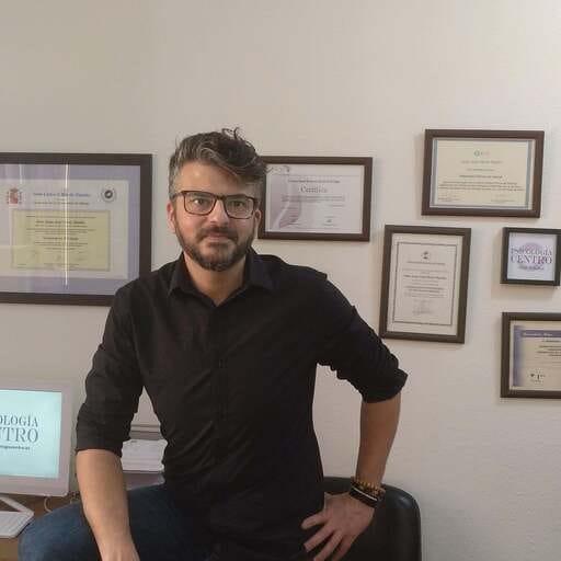 Las ventajas de la terapia de pareja, a tu disposición - Juan José Pérez Martín, psicólogo y terapeuta de pareja en Vélez-Málaga