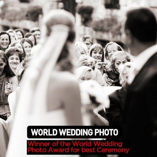Elegancia y naturalidad en tu fotografía nupcial - Lluís Oliver y Lluïsa Viladoms, fotógrafos de bodas en Barcelona.