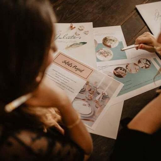 Tu boda organizada al detalle gracias a tu wedding planner - Vanesa Sastre y Neus Company, wedding planners en Mallorca.