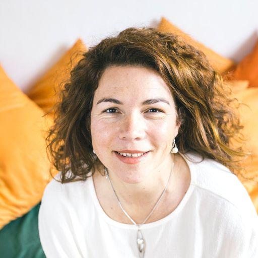 Personas más sanas gracias a la terapia psicológica - María Jesús Armas, psicoterapeuta en Las Palmas de Gran Canaria.
