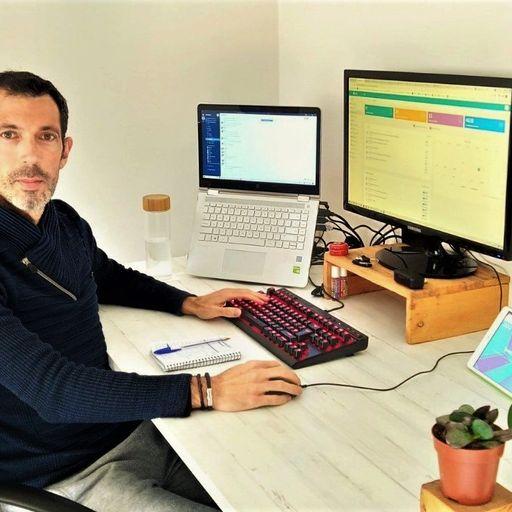 Software a medida que potencia tu competitividad e imagen online - Cristóbal Camenforte Mateo,  Director de Proyectos de Software y App móviles en Almería.