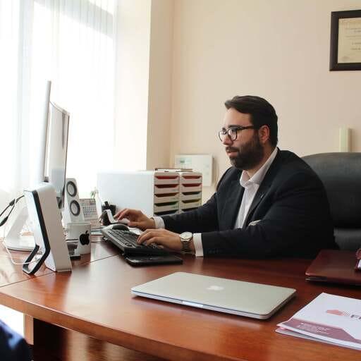 Administradores de fincas comprometidos con el confort y armonía - Rafael Antonio Garay Díaz - Administrador en Almería