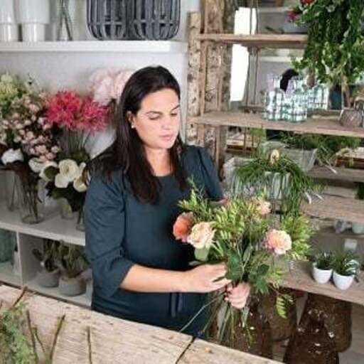 Arte floral para dotar de belleza a tus eventos - Yanira Pérez, florista en Madrid.