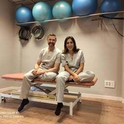 Fisioterapeutas listos para reactivar el bienestar de tu cuerpo - Sara – Fisioterapeuta en Valencia